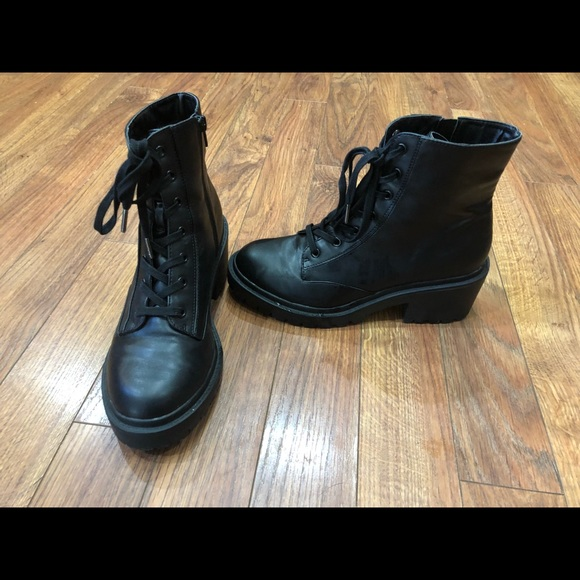 2d2070feeb5 Lupe Faux leather combat boots Universal Thread 10.  M_5be5caa203087c0b0938204e